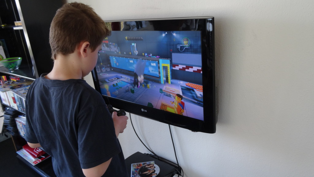 Martin spiller lidt Playstation3 i pauserne