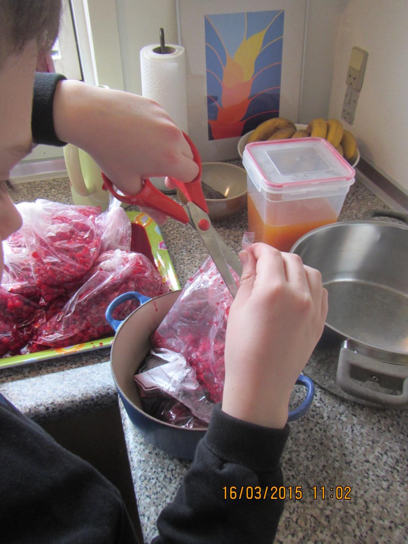 Produktion af marmelade af bær fra haven (sæson 2014) - 2