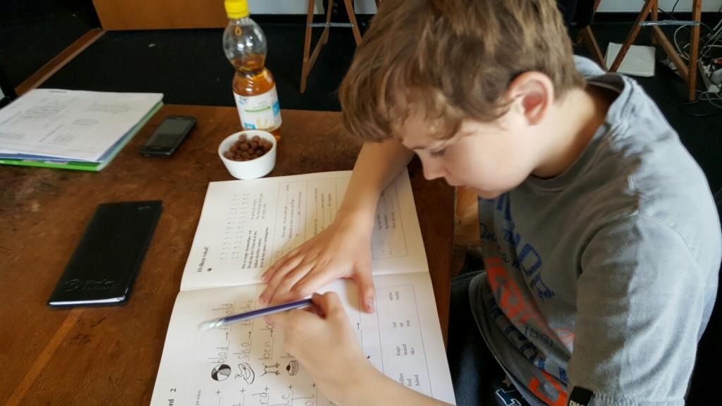 Martin laver danskopgaver.